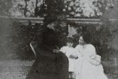 La baronessa con Maria Montessori